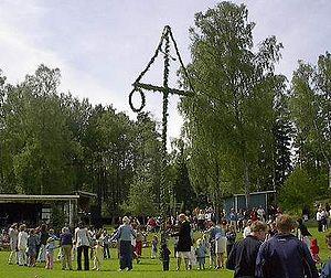 300px-Maypole_Sweden.jpg